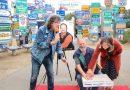 Kultfigur: Musik-Kabarettist FREDL FESL besucht den Fernweh-Park